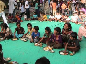 Manav Sadhna Happy Children eating