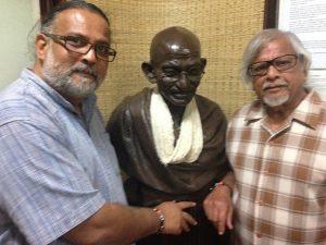arun and tushar gandhi tour visit to sabramati ashram